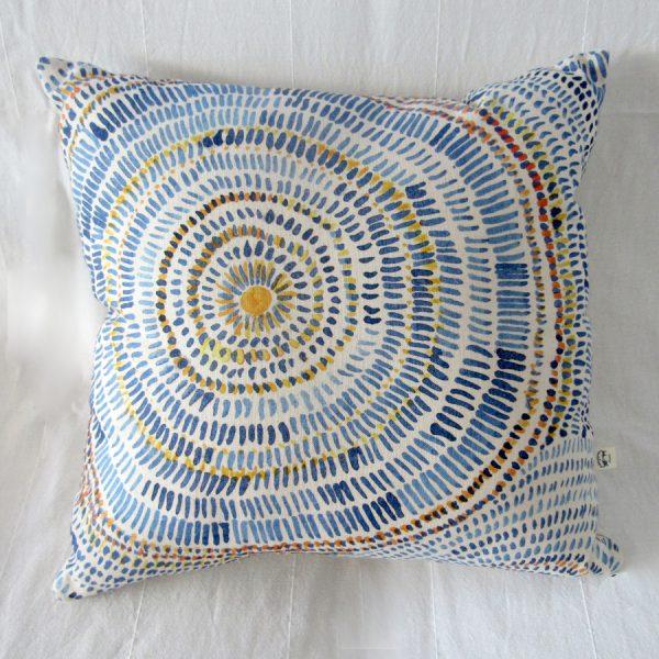 Circle abstract cushion 2