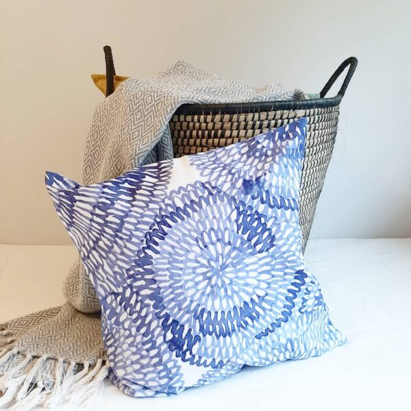 Blue circles scatter cushions